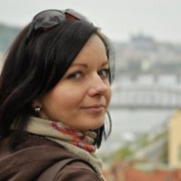 Monika Novikmecová